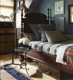 Boy room remodel hacks: There are specific furniture pieces and lighting techniques that can help your home appear larger. There are many tricks available for building a small living area. Home Bedroom, Bedroom Decor, Preppy Bedroom, Bedroom Small, Bedroom Ideas, Cosy Home, Victorian Bedroom, Modern Victorian, Bedroom Vintage