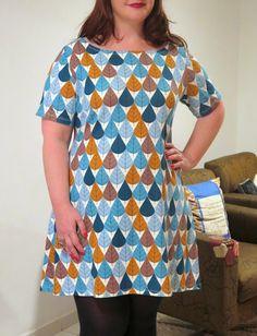Vestido de malha estampada.    Veja mais em: http://www.costurakatiacostura.com/look-do-dia-vestido-coco-num-dia-de/