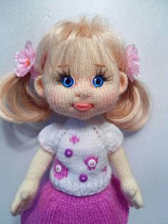 Best 11 Isn't she a cutie, I love her little fingers. A little friend for you Mum xxxx – SkillOfKing. Knitted Doll Patterns, Crotchet Patterns, Knitted Dolls, Amigurumi Patterns, Crochet Dolls, Crochet Eyes, Cute Crochet, Crochet Baby, Knitting For Charity