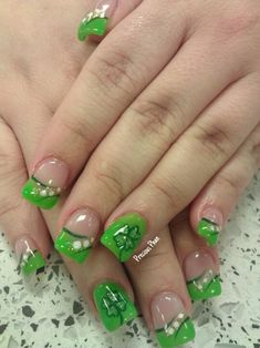 10 Warm Nails That Are Perfect For Spring fashion spring nails nail nail ideas nail designs spring nails spring nail art Nail Art Designs, Nail Designs Spring, Nails Design, Design Art, Floral Design, Green Nail Art, Green Nails, Spring Nail Art, Spring Nails
