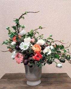 Designer Floral Arrangements - Dandelion Ranch Designer Flowers Los Angeles - ELLE DECOR