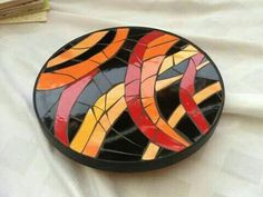 Trivet or stepping stone orange/yellow Mosaic Tray, Mosaic Pots, Mosaic Wall Art, Mirror Mosaic, Mosaic Garden, Mosaic Glass, Mosaic Tiles, Glass Art, Mosaics