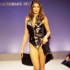 Les Françaises qui ont défilé pour Victoria's Secret - Laetitia Casta