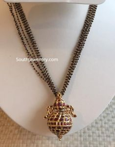 Multi string nallapusalu necklace with pendant photo Gold Bangles Design, Gold Earrings Designs, Gold Jewellery Design, Bead Jewellery, Beaded Jewelry, Jewelery, Gold Designs, Antique Jewellery Designs, Gold Mangalsutra Designs