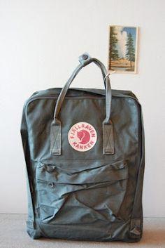 Nuevo capricho: Una clásica mochila escolar de los setenta made in Suecia, cuyo nombre no se pronunciar :(