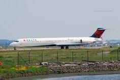FlightMode: Delta MD88 flight DL1171 returned to Atlanta, dama...