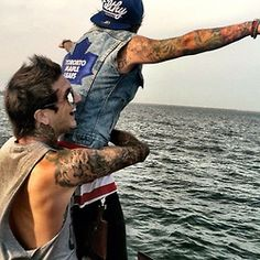 Austin Carlile and Alan Ashby. and omf alan likes Toronto maple leafs? :OOO