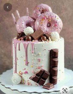 Beautiful Cake Designs, Cool Cake Designs, Beautiful Cakes, Amazing Cakes, Candy Birthday Cakes, Beautiful Birthday Cakes, Card Birthday, Birthday Greetings, Birthday Ideas