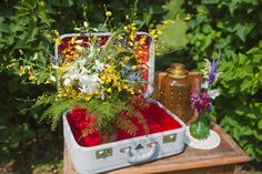 A Rustic Westcoast Wedding, Yellow Point, Vancouver Island E/A Photography Platinum Floral Designs Victoria BC
