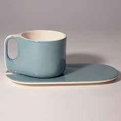 Exquisitely designed French cup and plate – Tableware Design 2020 Ceramic Tableware, Ceramic Cups, Porcelain Ceramics, Ceramic Art, Pottery Mugs, Ceramic Pottery, Pottery Art, French Cup, Tassen Design