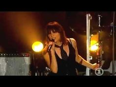 Shirley Manson & The Pretenders - Only Happy When it Rains (Live at the ...