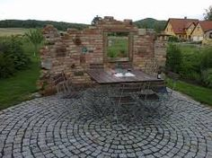 Bildergebnis für ruinenmauer im wohnzimmer gestalten | Backofen ...