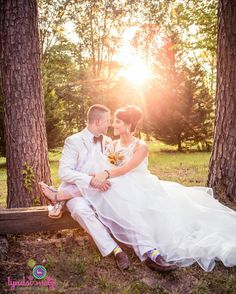 This sunny moment between the bride and groom is so sweet! We love how Lyndsi Metz Photography captured the natural light here. Click the image to learn more about this wedding photographer. Photo credit: Lyndsi Metz Photography