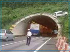 UPS...Da hat wohl jemand den Tunnel mit dem Looping der Carrera-Bahn verwechselt... Eure AutoErlebniswelt-Tü Taunus