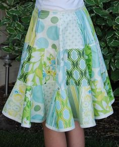 Style of skirt my teen likes, that would be easy to make in several colors/patterns.