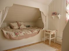 Girl's twin bed built-in, in a shabby style bedroom Shabby Bedroom, Extra Bedroom, Girls Bedroom, Bedroom Decor, Attic Bed, Attic Rooms, Attic Spaces, Alcove Bed, Bed Nook