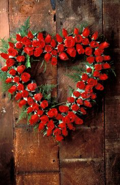 Red & Brown - This would be a great idea to make from wooden roses..✿⊱╮