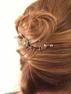 So pretty! An easy updo with the beautiful multi-colored Freestyle flexi hair clip. One of my favorite styles! She glows in Lilla Rose