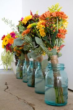 gorgeous fall wedding colors | Vermont_Fall_Foliage_Wedding_Skinner_Barn_Sarah_Cocina_Photography_2