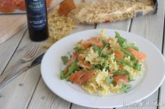 Pasta con salmón ahumado y rúcula