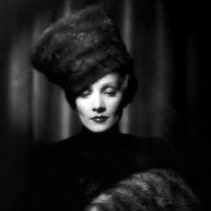 Marlene Dietrich Scarlet empress; photo by Eugene Robert Richee
