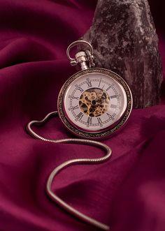 Cottage Charm - burgundy - plum red - watch
