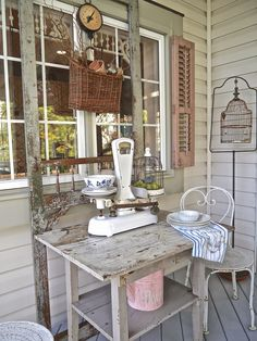 Chateau Chic: Come Sit Awhile On My Porch