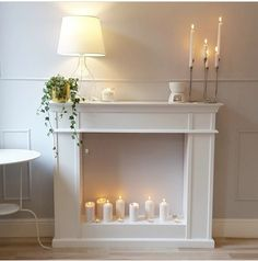 Best Snap Shots fake Fireplace Mantels Style The fireplace has been the focal point of rooms because the century, when the hearth moved from Fake Fireplace Mantel, Fireplace Design, Faux Mantle, Christmas Fireplace, Rustic Christmas, Cottage Christmas, Fireplace Ideas, Karton Design, O Portal