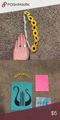 Flower headband. I do bundles and offers. Sunflower headband Jewelry