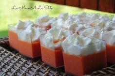 Petites verrines de mousses de poivrons et sa chantilly salée