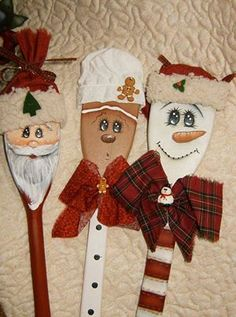 Christmas DIY gifts for the baker. Ornaments made from wooden spoons. Wish I know how to paint to try doing these. Christmas Wood, Diy Christmas Ornaments, Homemade Christmas, Christmas Projects, Winter Christmas, Christmas Decorations, Gingerbread Man Decorations, Spoon Ornaments, Santa Ornaments