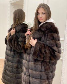 Fur Fashion, Womens Fashion, Sable Fur Coat, Sexy Women, Women Wear, Very Long Hair, Cute Girls, Fur Coats, Fall Winter