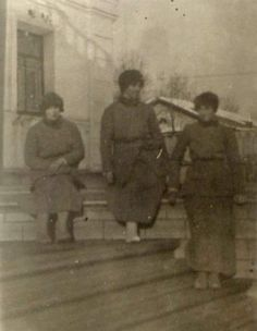 Anastasia, Maria and Olga in Tobolsk.