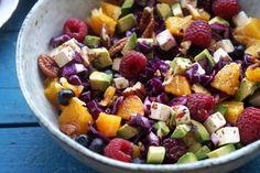 rødkål salat Superfood, Fruit Salad, Feta, Avocado, Food And Drink, Fruit Salads, Lawyer