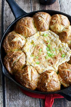 Pull-Apart Pretzel Skillet with Beer Cheese Dip
