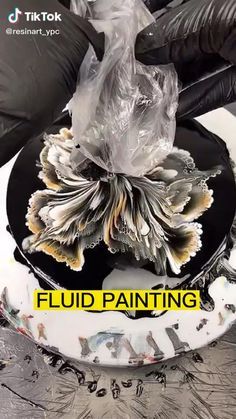Acrylic Pouring Art, Acrylic Art, Painting Tips, Acrylic Painting Techniques, Flow Painting, Painting Abstract, Diy Canvas Art, Art Techniques, Resin Art