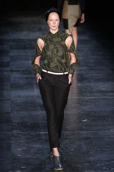 Fernanda Yamamoto. Fall/Winter 2012. This top is now on my wish list.