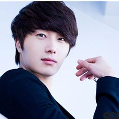 Jung Ilwoo to hold fan meet in Japan on his birthday