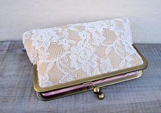Clutches - Champagner clutch, Elfenbein spitze Brauttasche - ein Designerstück von ConstanceHandcrafted bei DaWanda