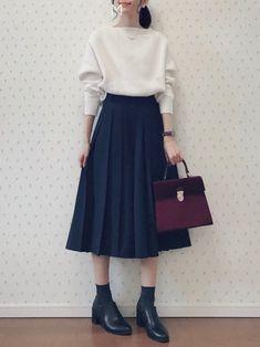MAYUKO│apart by lowrys Knitwear Looks - Mode für Frauen Modest Fashion, Skirt Fashion, Hijab Fashion, Korean Fashion, Fashion Outfits, Asian Fashion Style, Japan Fashion Casual, Fashion Fashion, Womens Fashion Online