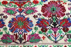 Se in tempi remoti si riproducevano simbologie legate a riti scaramantici e propiziatori, oggi vediamo prevalere la funzione estetica del manufatto.