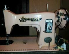 Pink Atlas Precision Deluxe vintage sewing machine