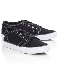 Men's lace-up canvas plimsolls in black by Voi with contrasting stitching, vulcanized sole and small stitched logo towards the back. Boy Fashion, Mens Fashion, Do Men, Plimsolls, Mens Trainers, Black Canvas, Latest Trends, Summer Outfits, Vans
