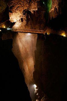Škocjan Caves – the Underground Canyons, Slovania