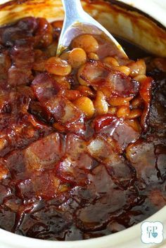 Old Fashioned Baked Lima (or Navy) Beans Recipe for Old-fashioned homemade Baked Beans. The perfect picnic or barbecue side dish. Make with Lima or Navy beans for Memorial Day or other cookout. Navy Bean Recipes, Lima Bean Recipes, Baked Bean Recipes, Vegetable Recipes, Beans Recipes, Chili Recipes, Best Baked Beans, Baked Beans With Bacon, Homemade Baked Beans