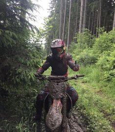 Face covered in mud Motorcross Bike, Enduro Motorcycle, Lady Biker, Biker Girl, Motocross Girls, Dirt Bike Girl, Quad Bike, Fox Racing, Dirtbikes