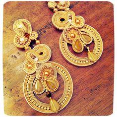 vintage style.... cappello e maglia placcata bronzo-Stefanel borsa - vintage orecchini- Big & bold statement earrings by ade...
