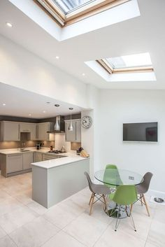 Single-storey kitchen extension from L&E (Lofts and Extensions) in Teddington - . Open Plan Kitchen Dining Living, Open Plan Kitchen Diner, Kitchen Diner Extension, Kitchen Extension Velux Windows, Small Dining, Kitchen Family Rooms, Living Room Kitchen, Dining Room, Dining Area