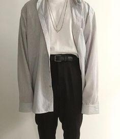 Creating the Men Minimalist Fashion Wardrobe Outfits Hombre, Dope Outfits, Fashion Outfits, Aesthetic Fashion, Look Fashion, Mens Fashion, Vintage Style Outfits, Vintage Fashion, Style Masculin