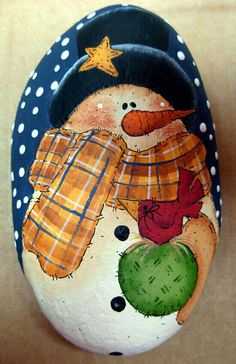 Snowman with Top Hat and Bird Garden Stone Handpainted Pebble Painting, Pebble Art, Stone Painting, Rock Painting, Pebble Mosaic, Snowman Decorations, Snowman Crafts, Stone Crafts, Rock Crafts